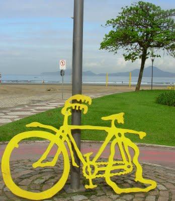foto escultura ciclovia praia